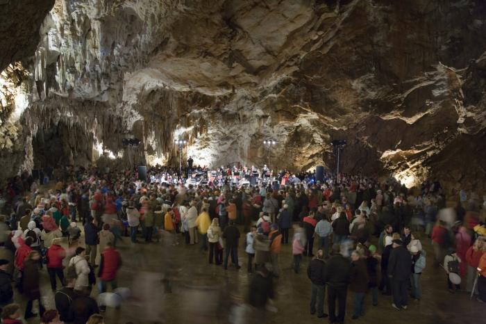 postojna-cave