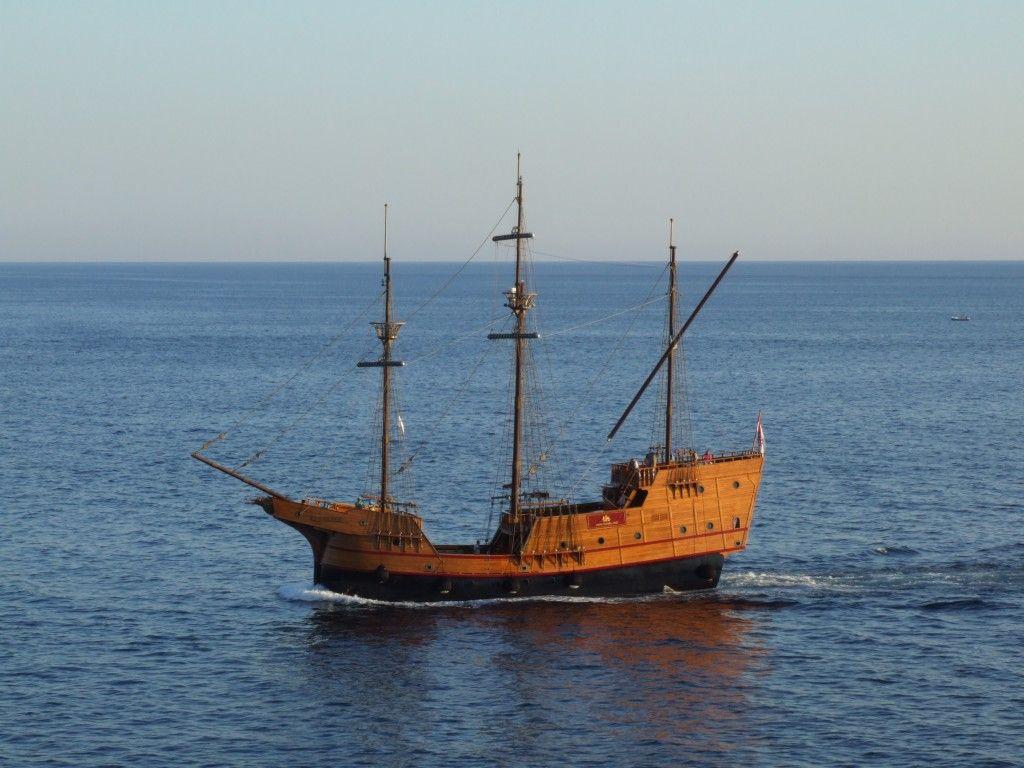 Trading_ship_in_Dubrovnik