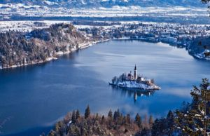Lake-Bled_winter