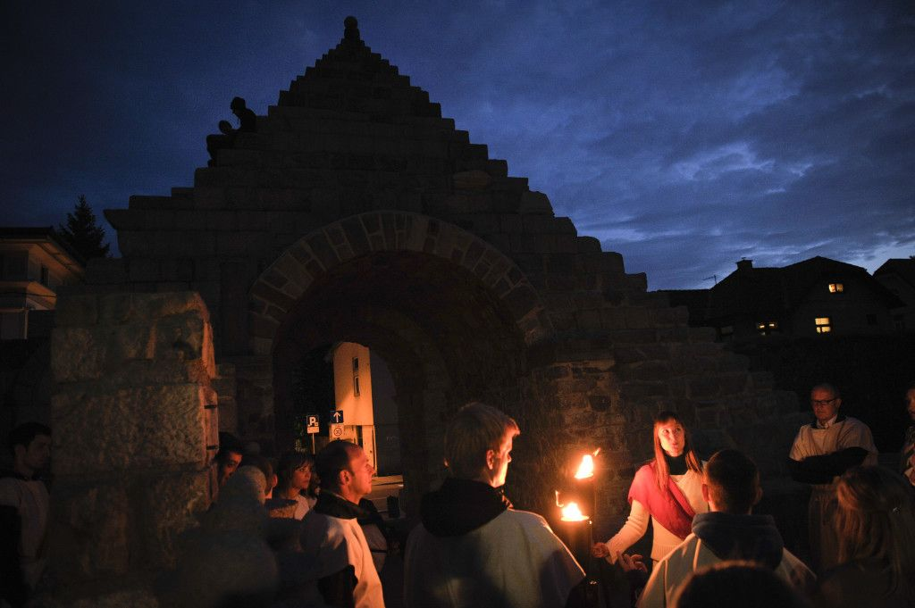 experiencing the roman city of Emona by torchlight