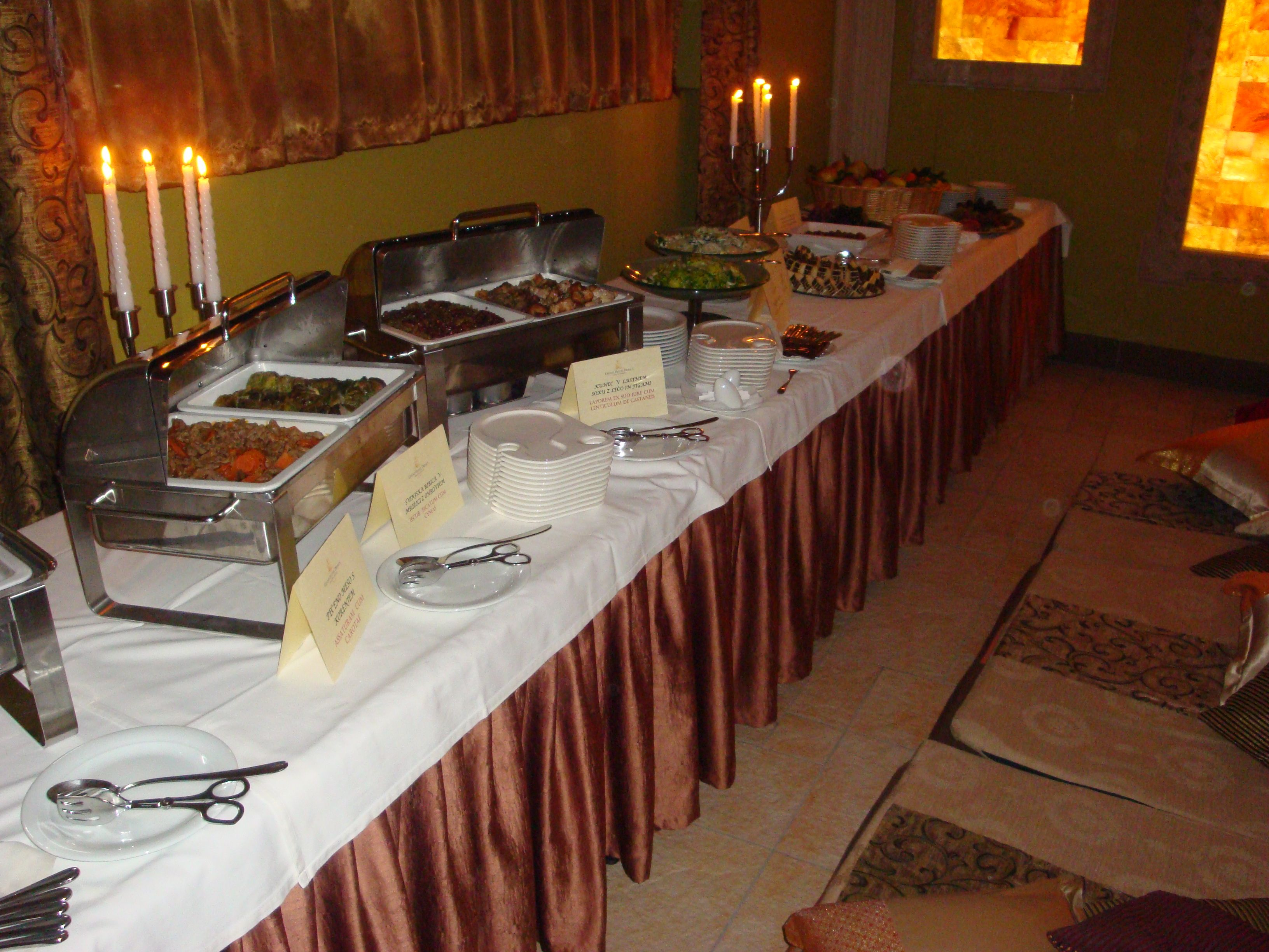 roman, dinner