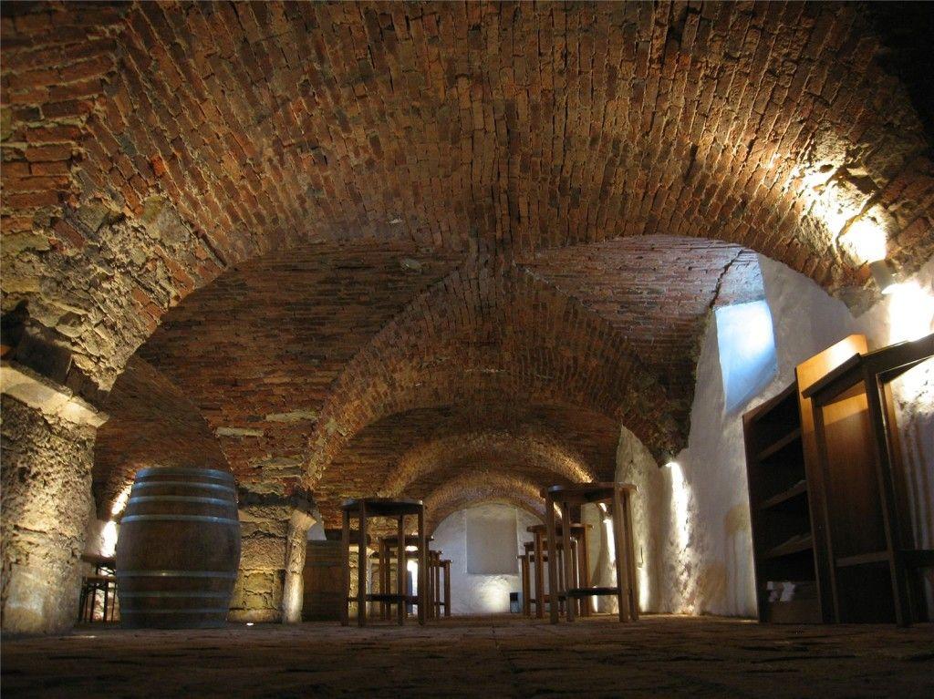 mb_maribor_dveri_pax_wine_cellar