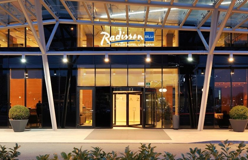 Radisson_Blu_Plaza