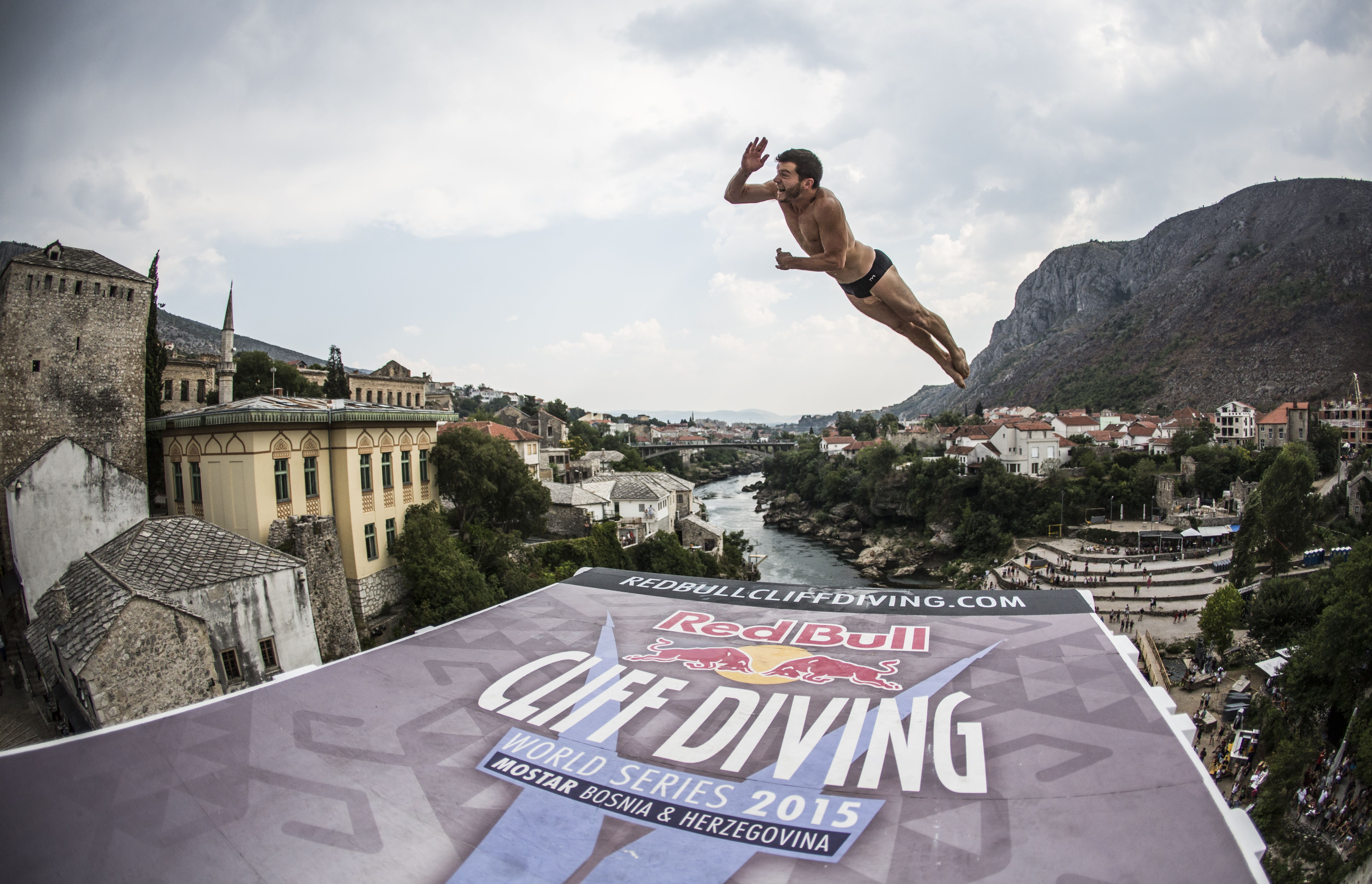 mostar-cliff-diving