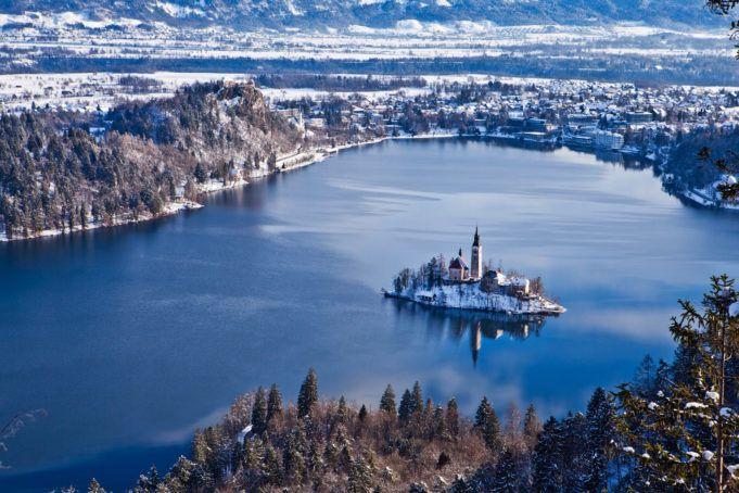 Lake-Bled_winter