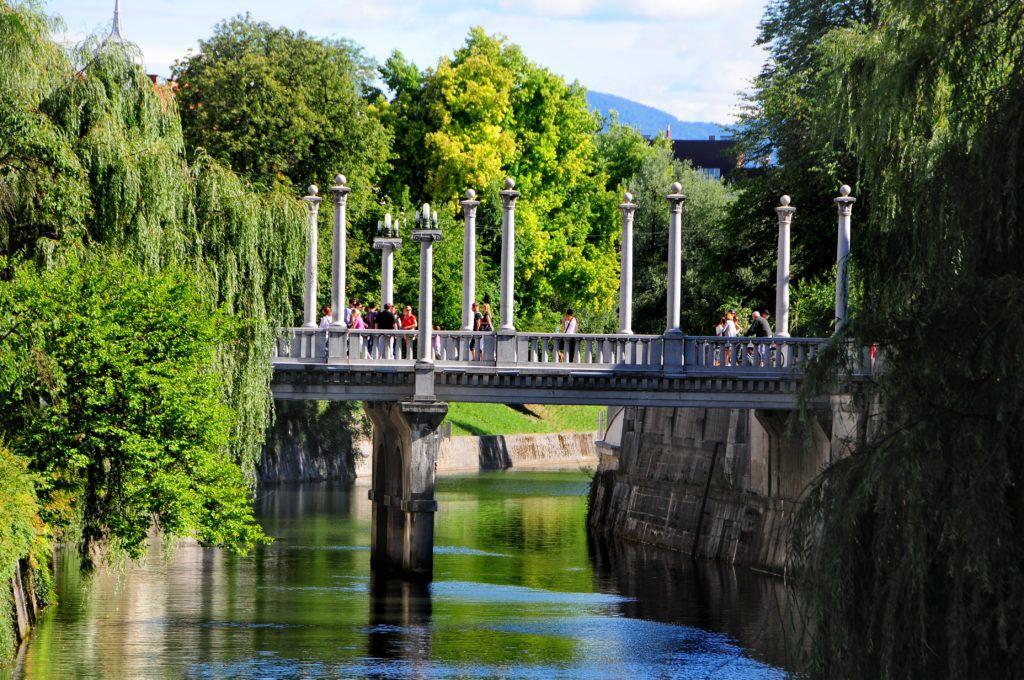 Cobblers' bridge