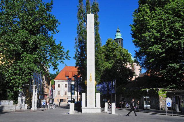 Napoleon column