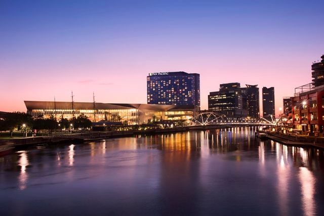 Pan_Pacific_Melbourne_Exterior