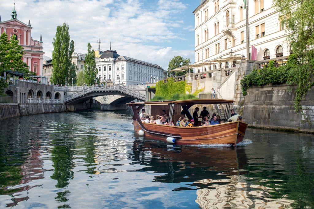 boat-ljubljanica-ljubljana-slovenia