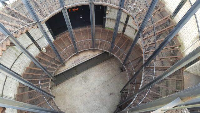cd_cankarjev_dom_cultural_congress_centre_circular_staircase