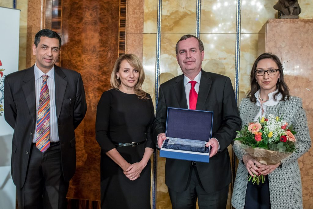long_term_contribution_to_congress_tourism_prof__tomas_zima_rector_of_the_charles_university_in_prague