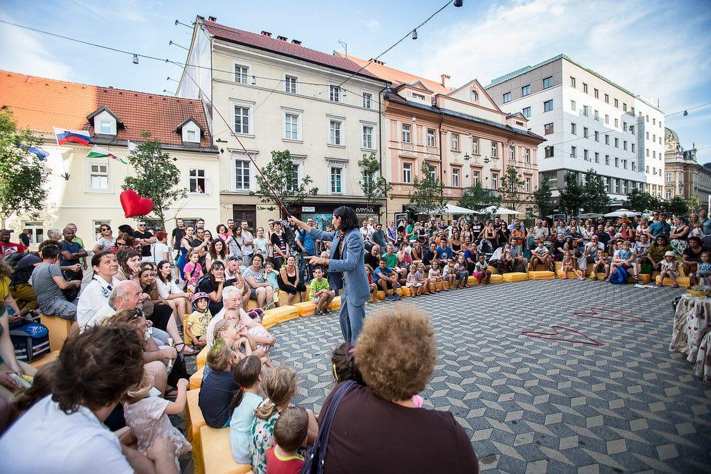 ana_desetnica_street_art_festival_ljubljana