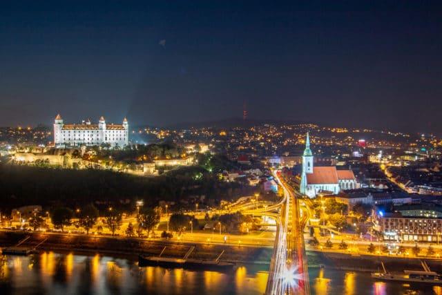 bratislava-slovakia-night-panorama-castle