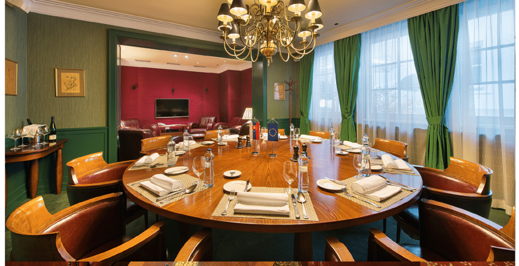 green_saloon_houdini_restaurant