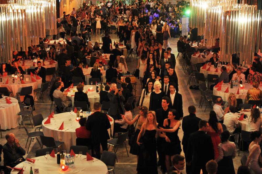 grand_reception_hall_cankarjev_dom_cd