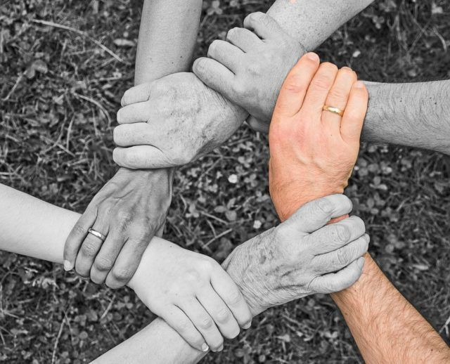 intergenerational_coexistence_team_spirit