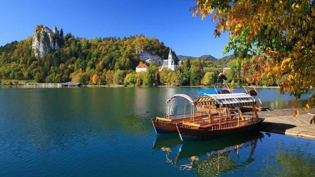 bled_lake_church_castle