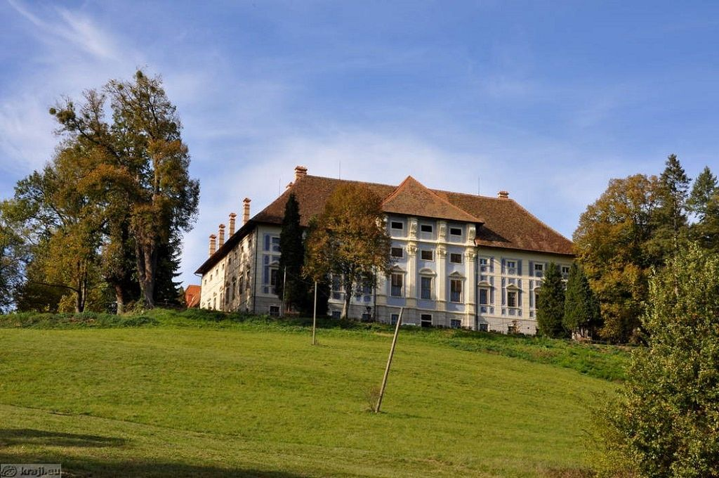 dvorec_statenberg_panorama