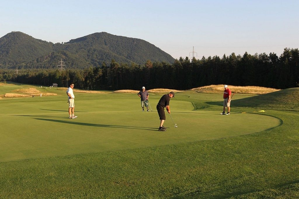 diners_cubo_golf_players