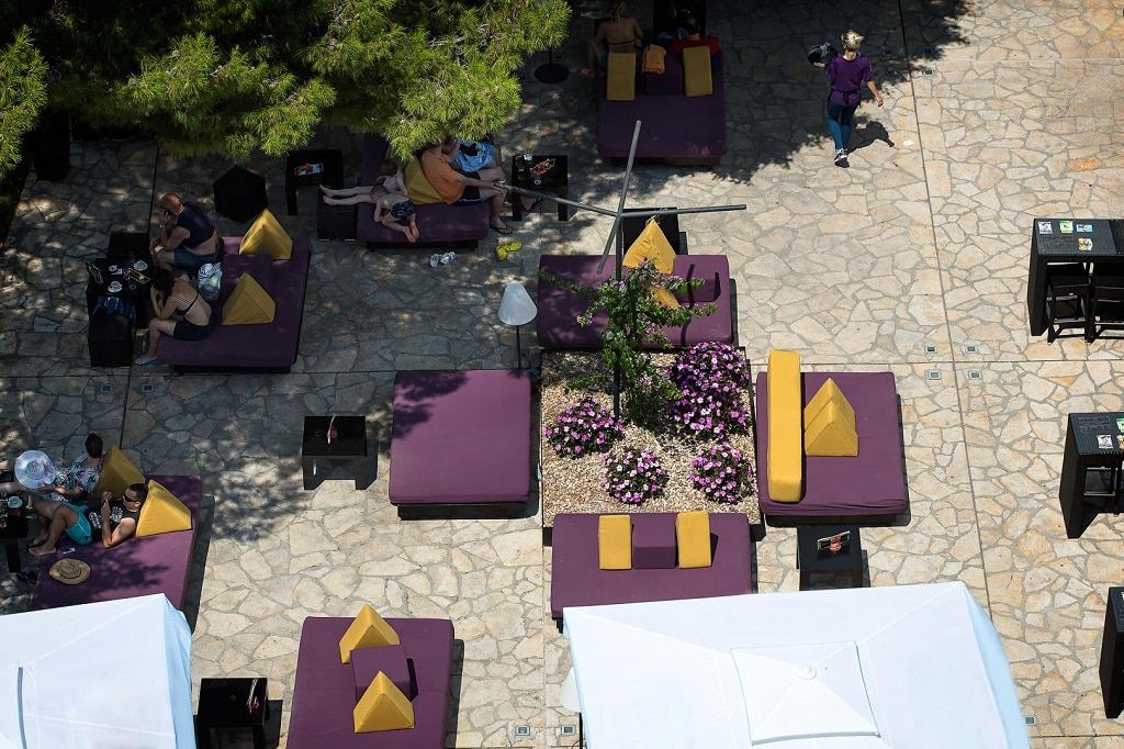 lavender_lounge_bar_outside