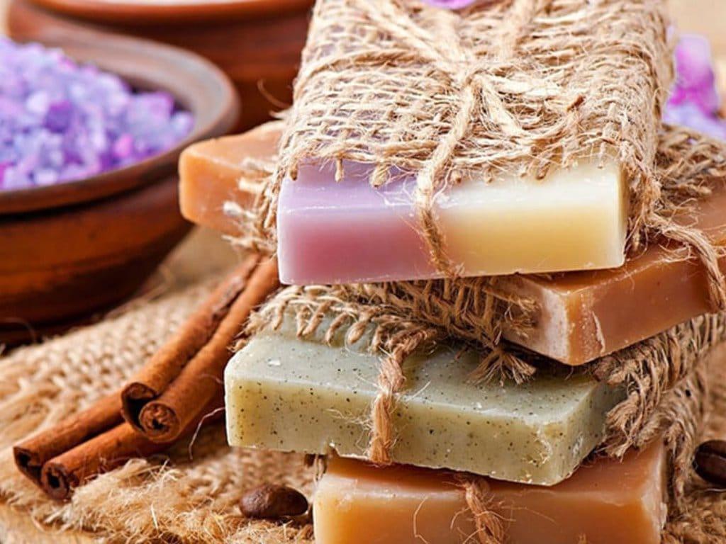 maribor_soncni_raj_sunny_paradise_estate_soap_making