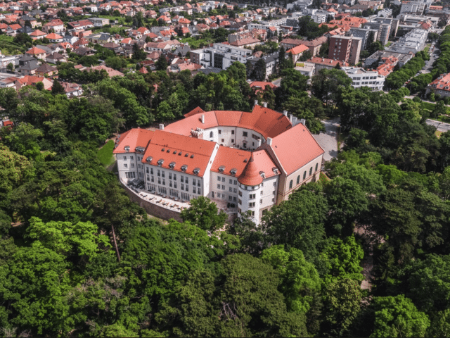 chateau_pezinok