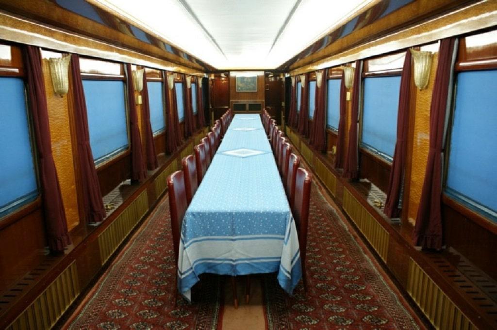 blue_train_inside