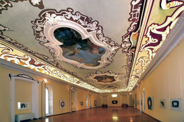 istrian_assembly_hall_room