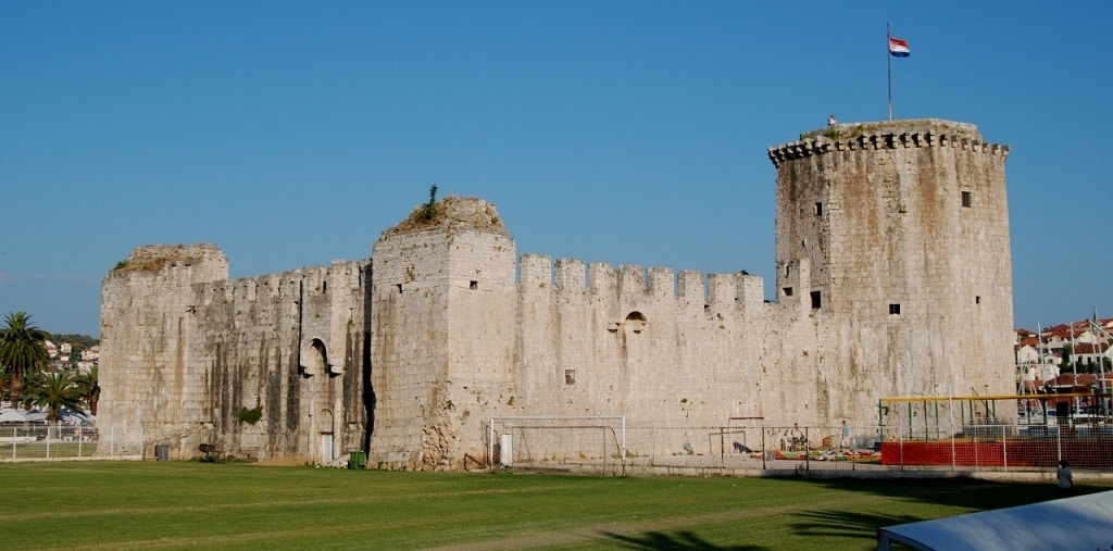 karmelengo_castle_day