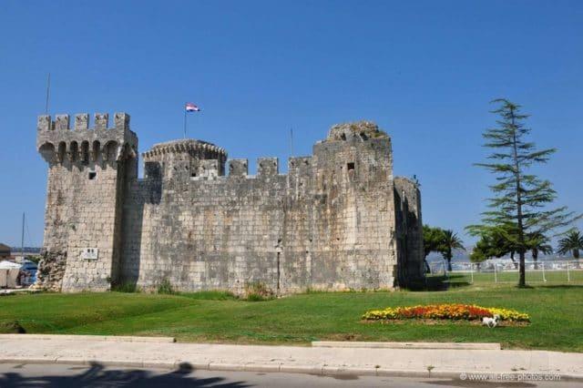 karmelengo_castle_side