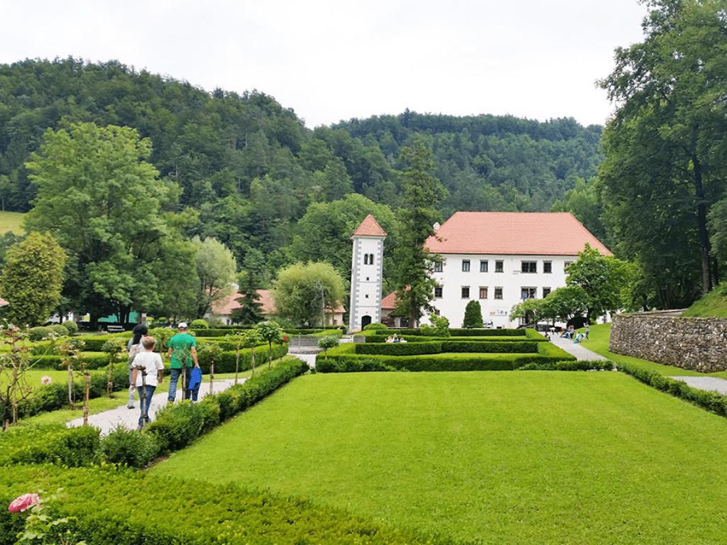 ljubljana_polhov_gradec_mansion