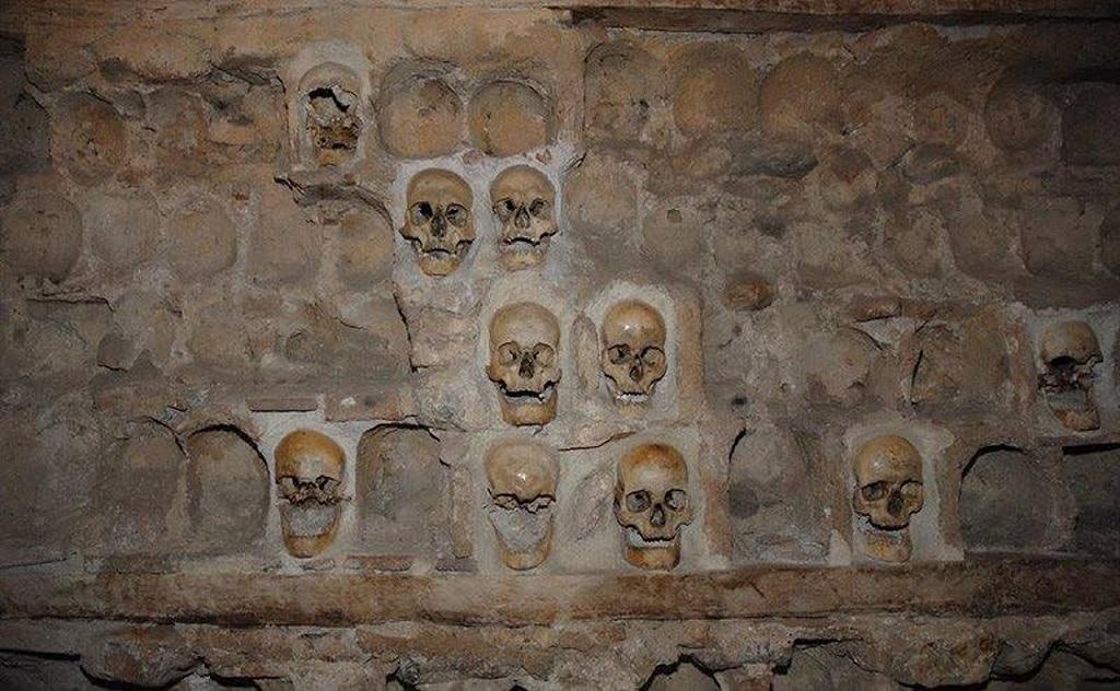 skull_tower_skulls