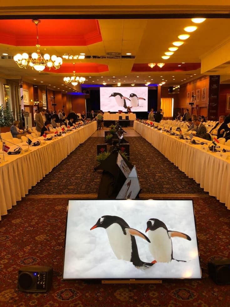 top_hotel_antarctic_hall_prague
