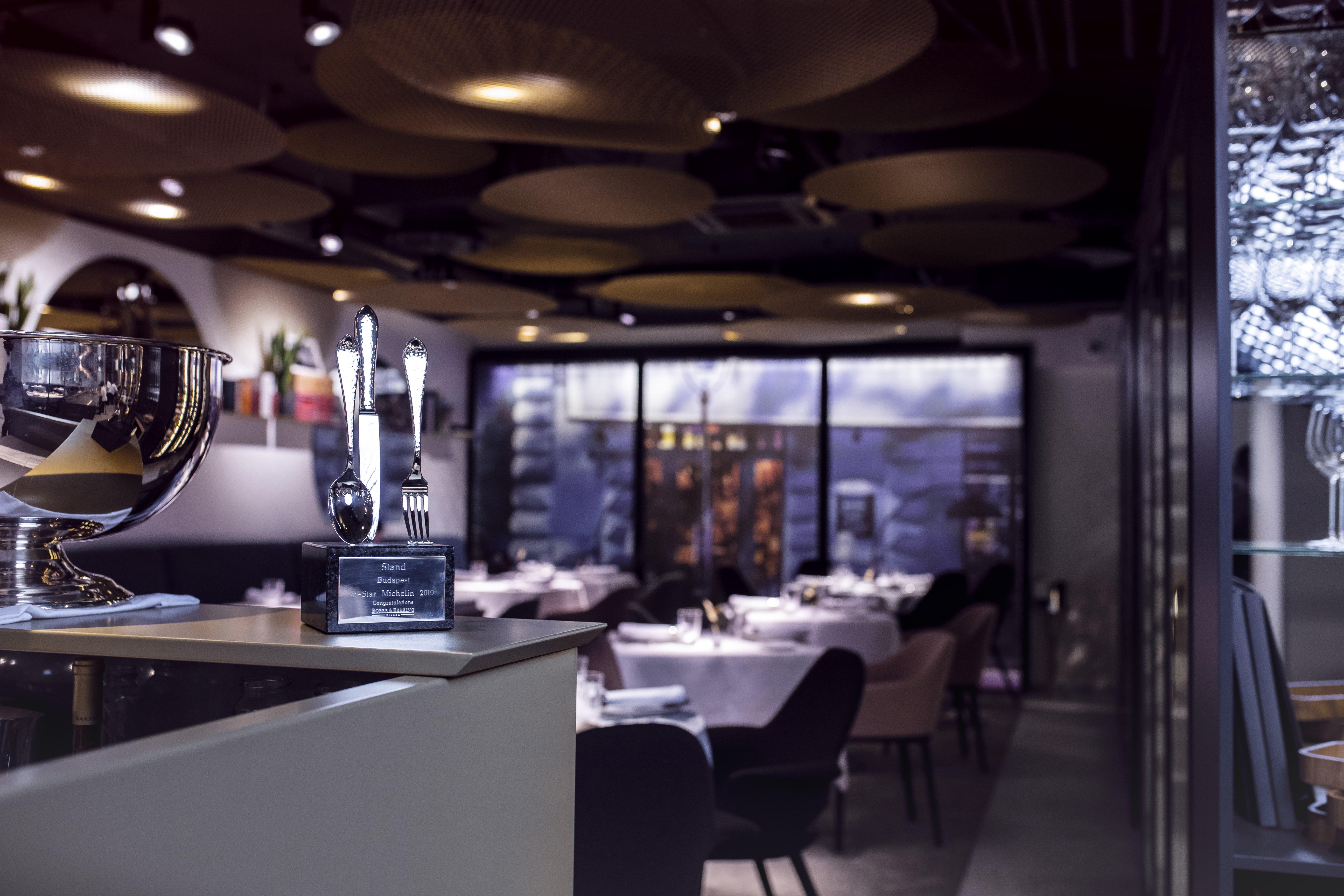 stand_restaurant_budapest_hungary