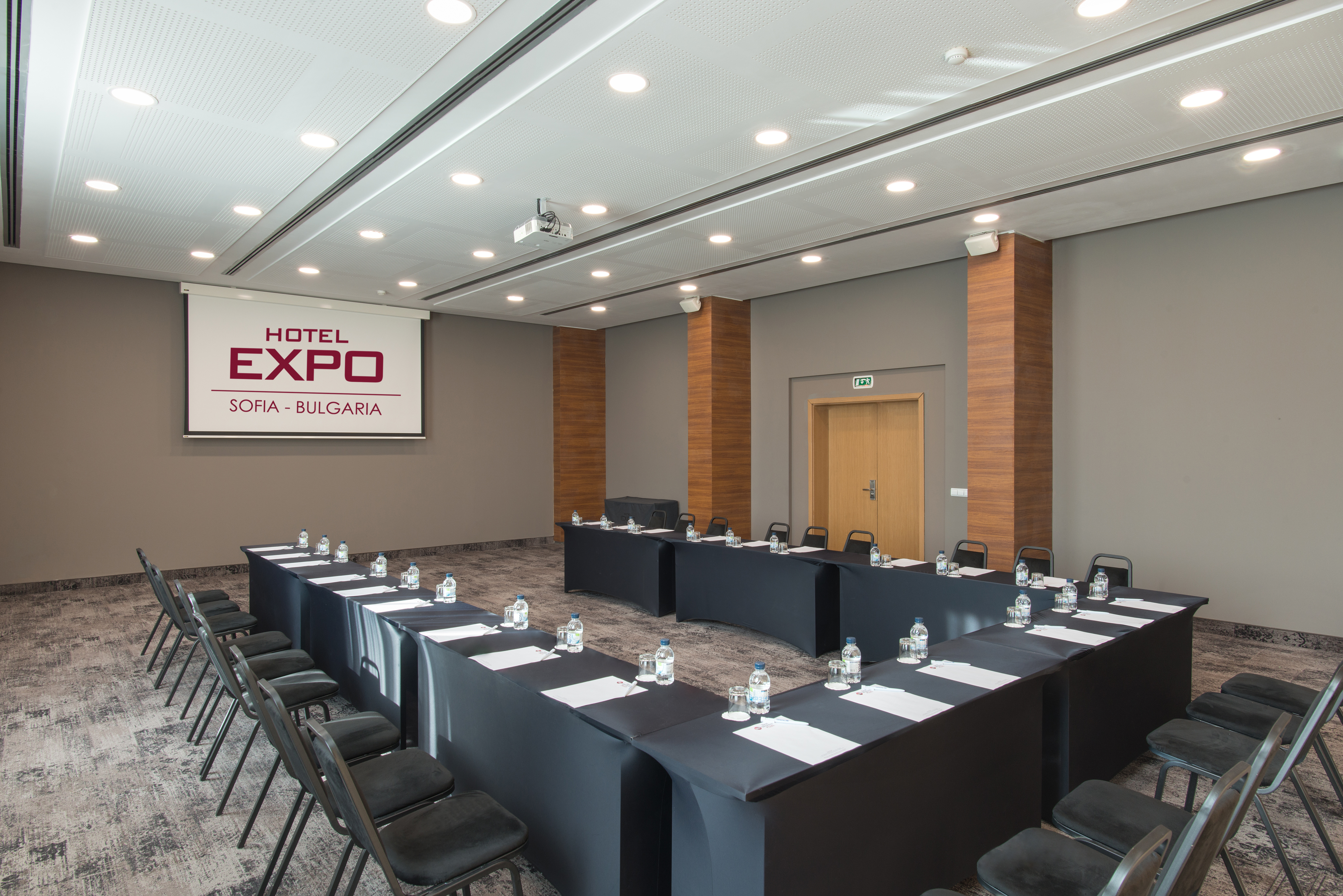 best_western_plus_expo_hotel