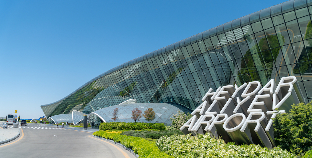 baku_heydar_aliyev_airport_azerbaijan