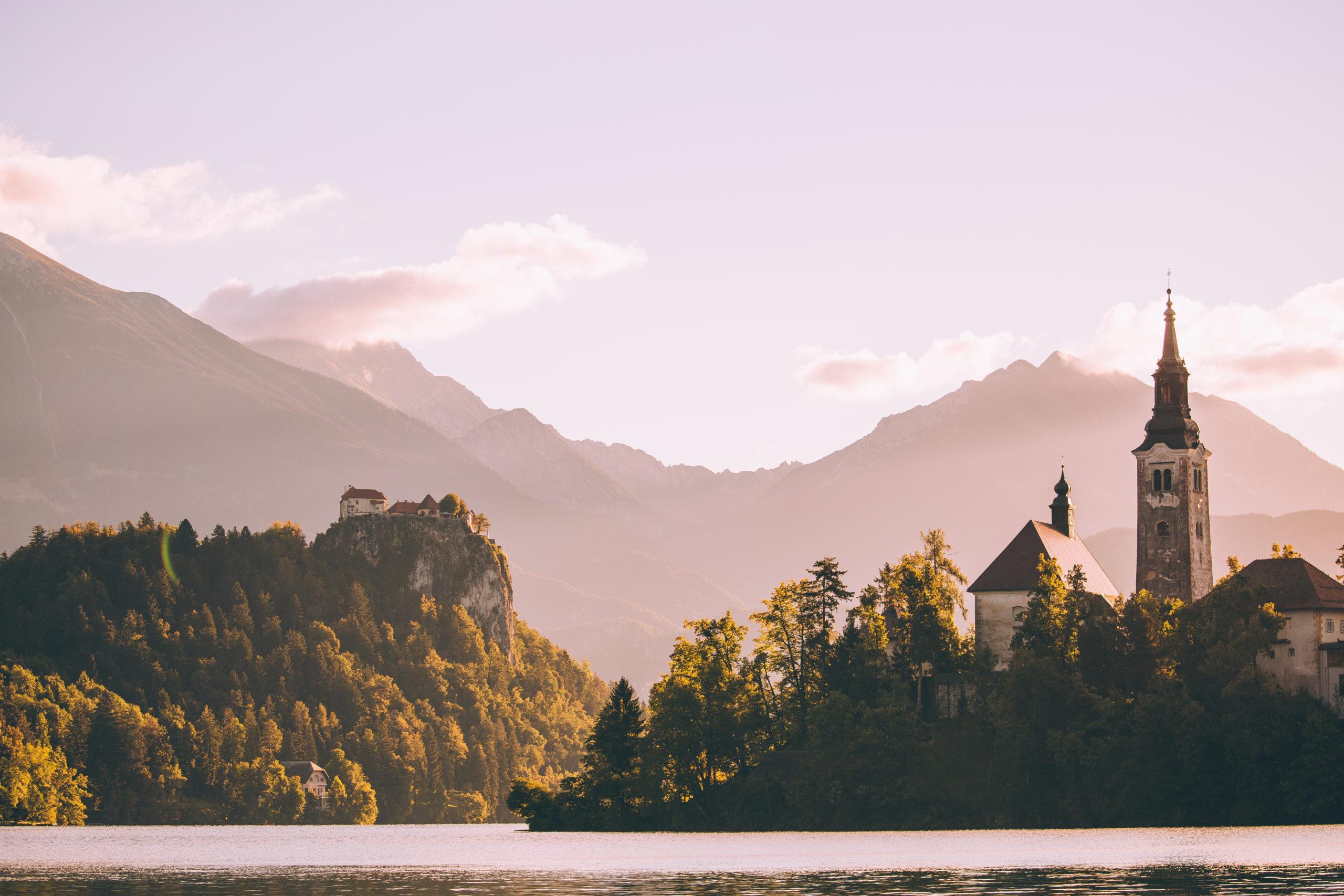 bled_slovenia-lake-church