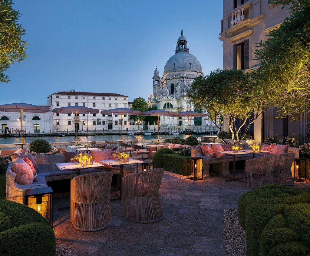 Italian-Garden-in-Venice-St.Regis-Venice