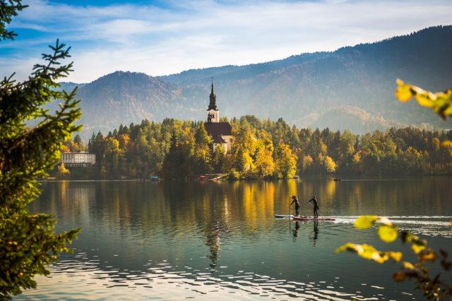 bled-lake-slovenia-sup-paddling-nature
