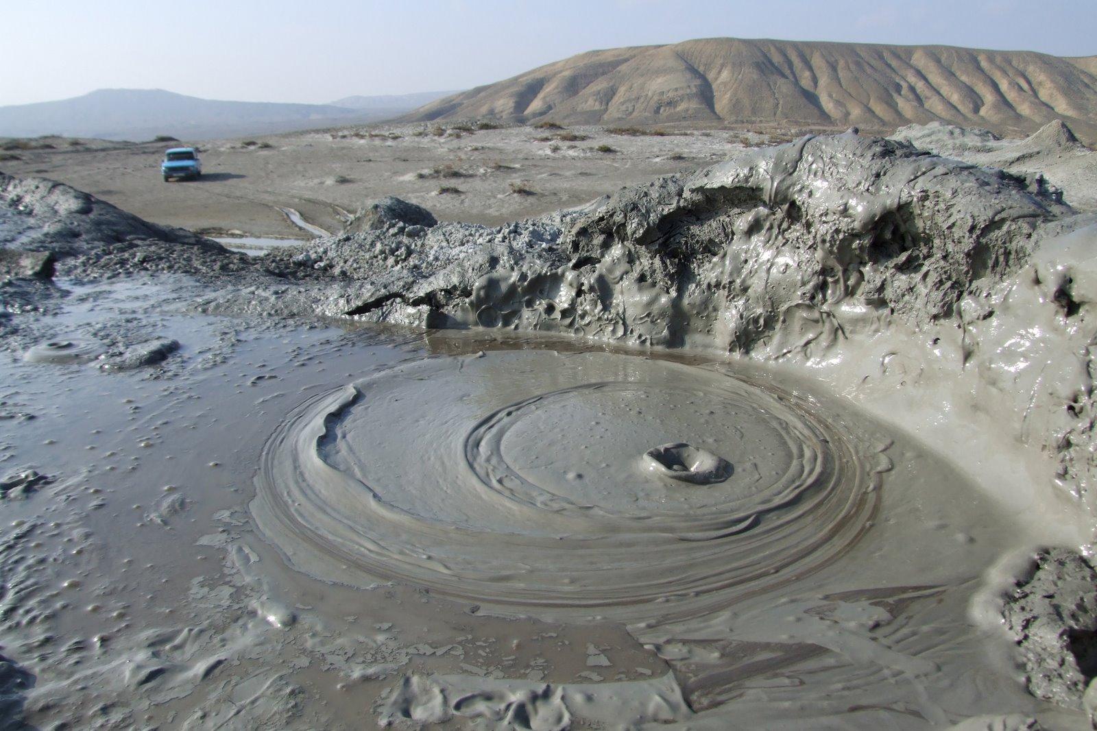 gobustan_azerbaijan-mud_volcanoes