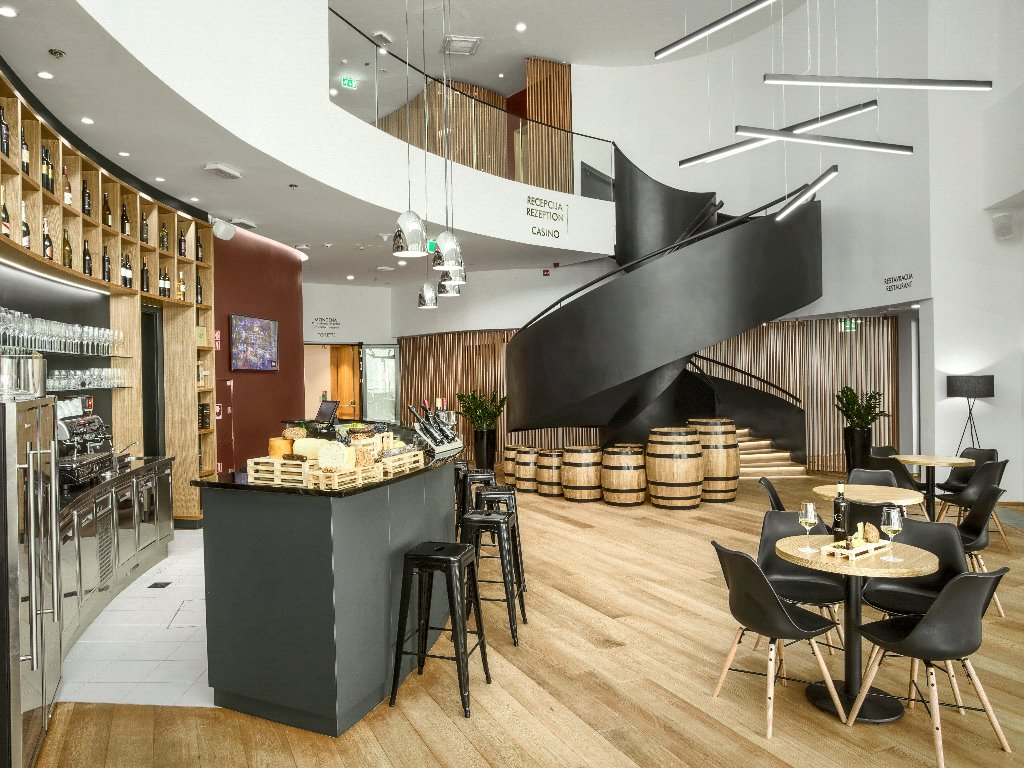 Casino and Hotel Mond, Wine Bar