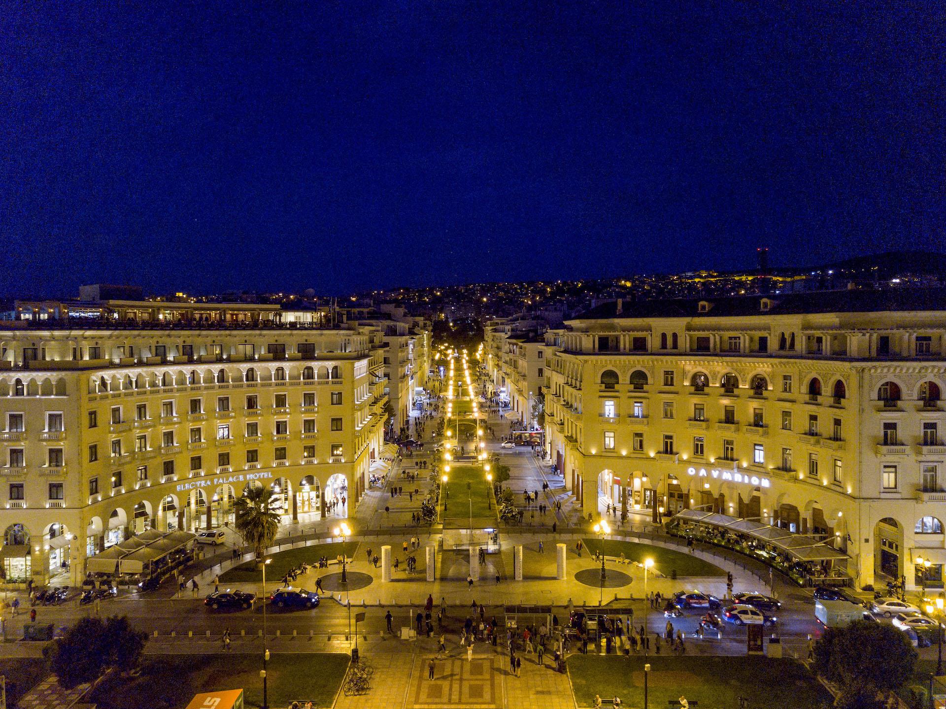 Thessaloniki-Aristotelous-Square-by-night