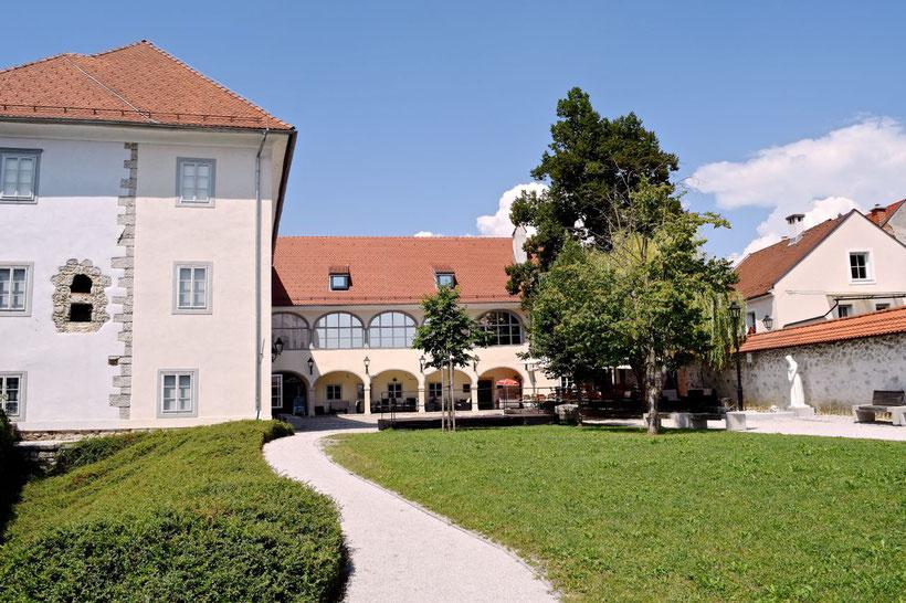 castle_khislstein