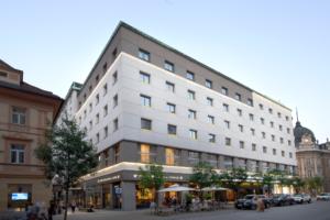 hotel_slon
