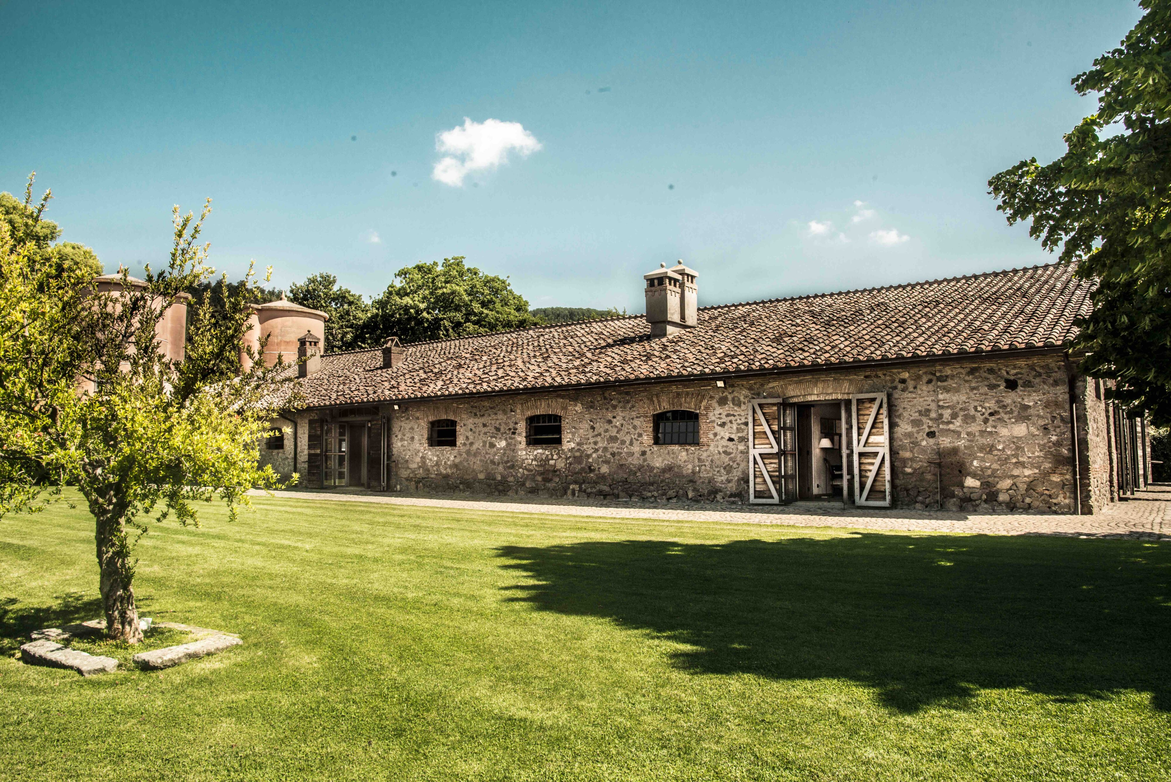 ancient_oldescalchi_stables