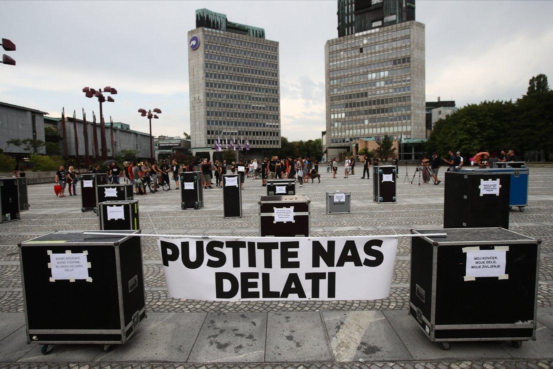 protest-ljubljana-parlament2