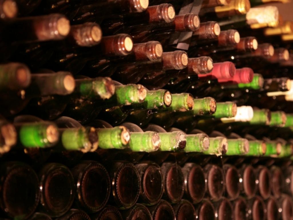 santomas_wine_cellar