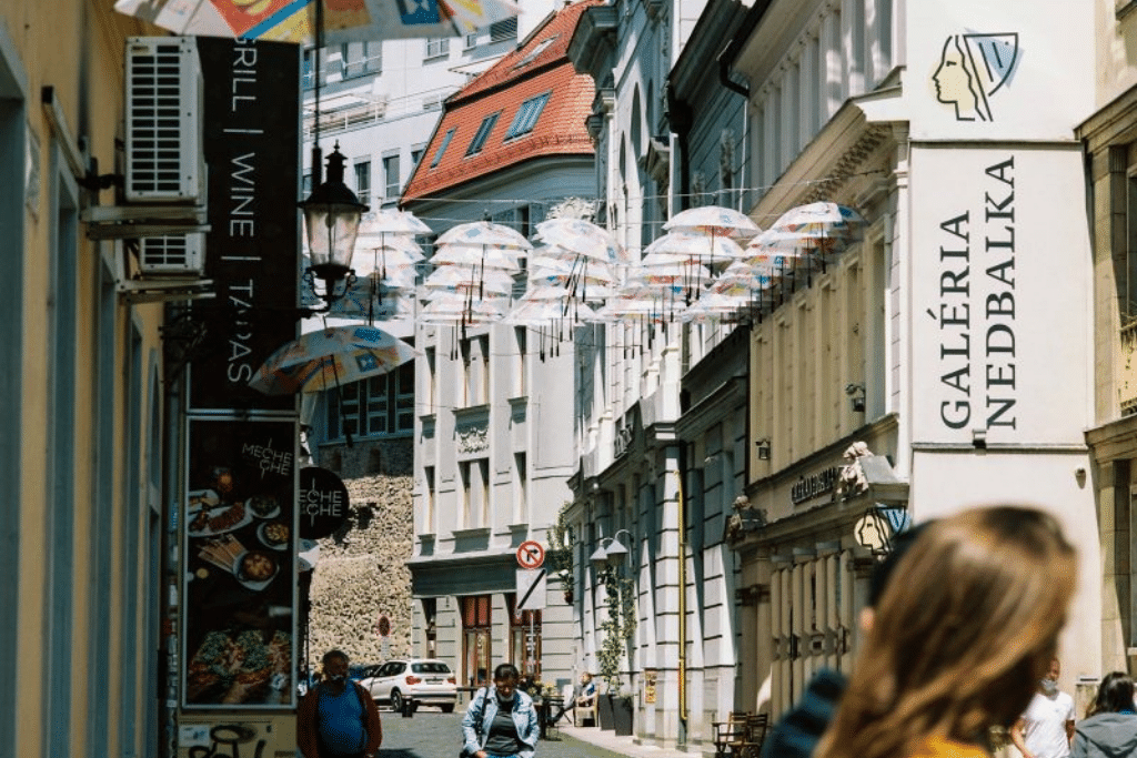 umbrella_street