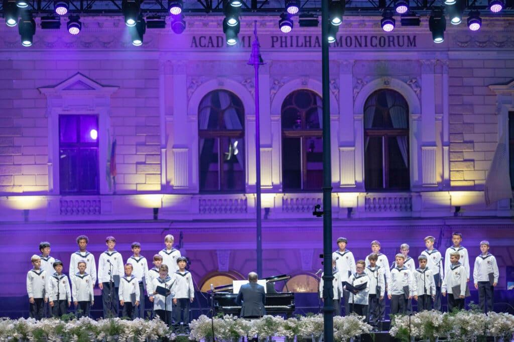 ljubljana festival kongresni trg square