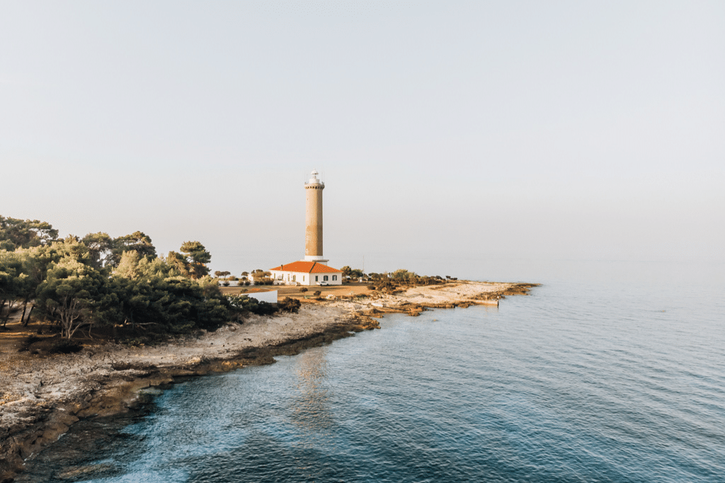 veli_rat_lighthouse